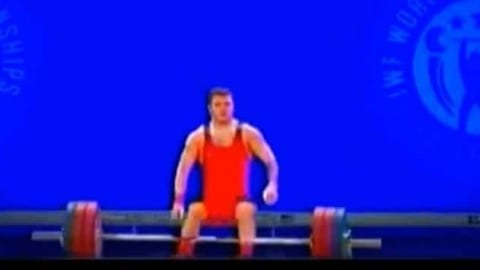 Georgian weightlifter falls again…and again