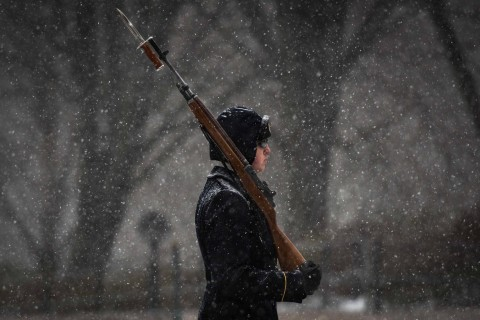 Soldiers Maintain Guard of Tomb of the Unknowns During Winter Storm
