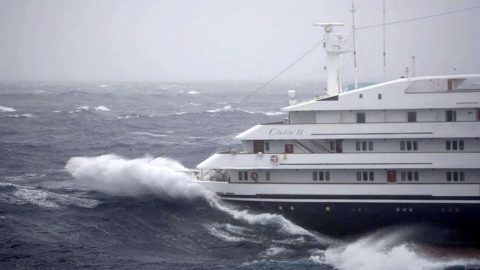 Dramatic Video of Cruise Ship Losing Engine in 55MPH Winds and Giant Waves