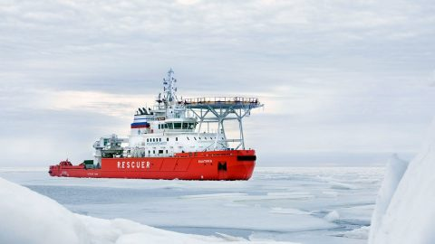 Baltika 'Oblique' Icebreaker Breaks Ice Sideways
