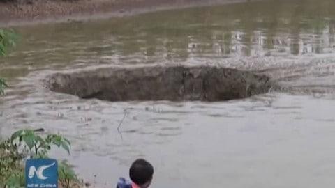 Massive Sinkhole Swallows 55,000-Pounds of Fish Overnight