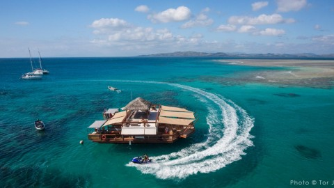 Floating Pizzeria and Stocked Bar in Paradise is Happiest Place on Earth