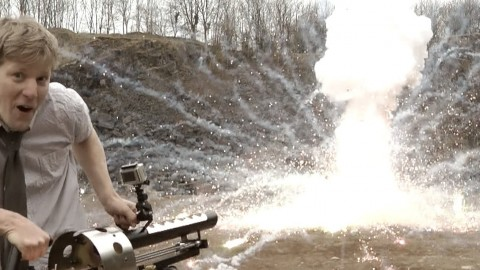 Mad Scientist Creates Thermite Cannon – See What True Joy Looks Like