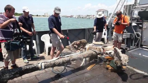 Infamous Pirate Blackbeard's Anchor Raised After 293 Years Underwater