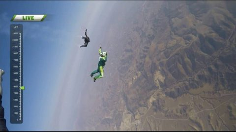 Skydiver Plummets 25,000 Feet With No Parachute and Lives