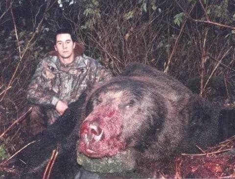 Massive 1600-Pound World Record Bear Killed By Alaskan Hunter – The True Story