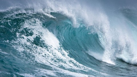 Largest Wave Ever Recorded; Gigantic 62-Foot Wave Sets New World Record
