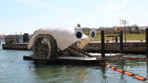 This Floating Googly-Eyed Machine is a Trash Eating Monster!