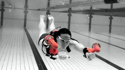 VIDEO: Underwater Jet Pack Turns You into a Human Torpedo
