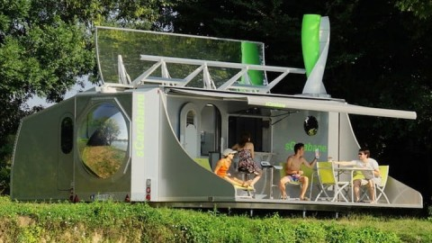 VIDEO: Incredible Collapsible trailer Transforms in the Ultimate Luxury Camper