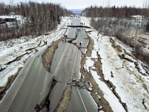 The Aftermath Of The 7.0 Anchorage Earthquake From The Ground